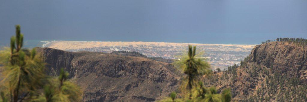 Der Süden von Gran Canaria mit den Dünen von Maspalomas auf einer Wanderung zum Pico de las Nieves.