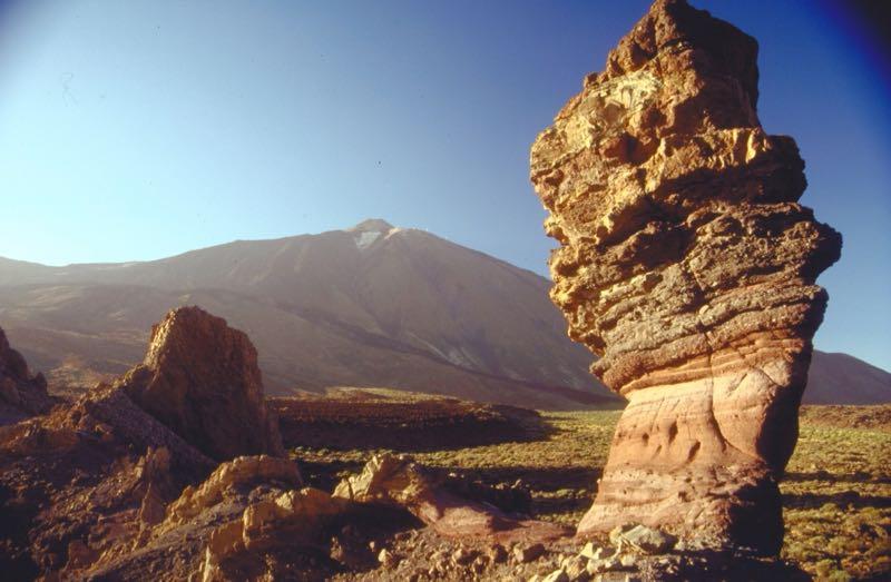 Teide mit den Roques de Garcia im Vordergrund